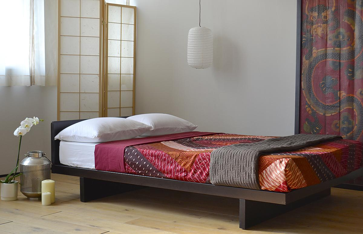 Image of: Japanese Bed Designs Pictures