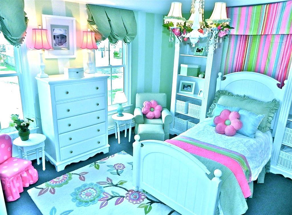 Image of: Light Blue And Pink Bedroom