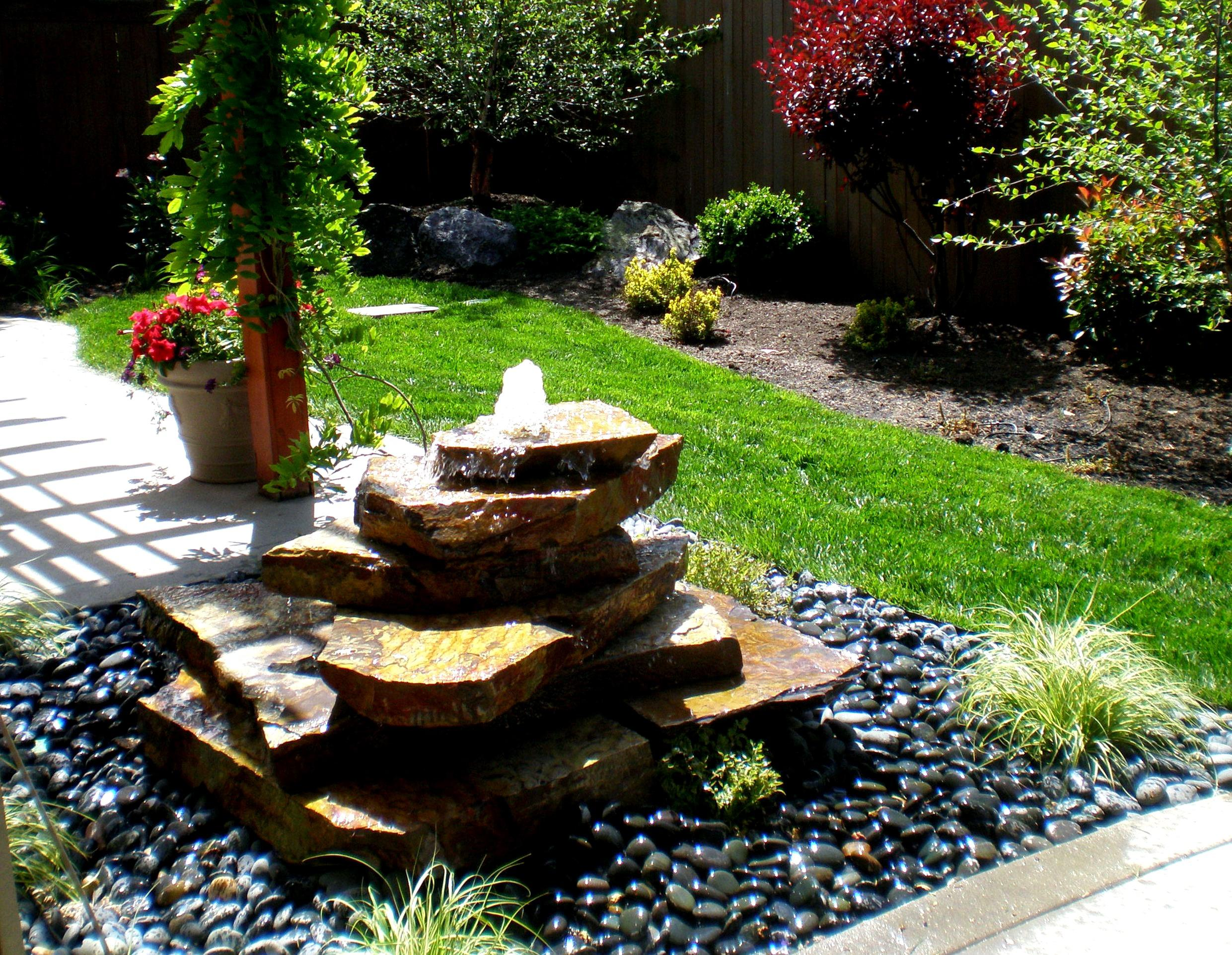 Image of: Lowes Backyard Water Fountains