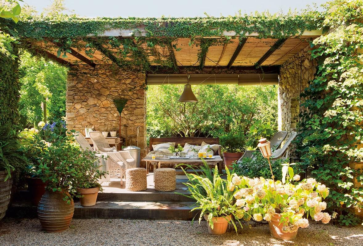 Image of: Mediterranean Patio Design Ideas