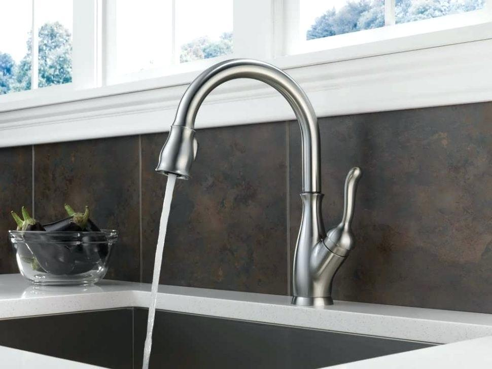 Image of: Modern Kitchen Faucet Pictures