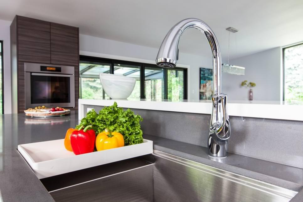Image of: Modern Kitchen Faucets Design