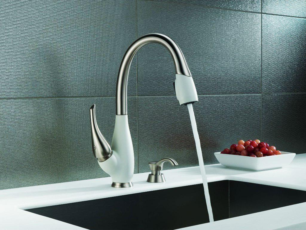 Image of: Modern Kitchen Faucets Ideas