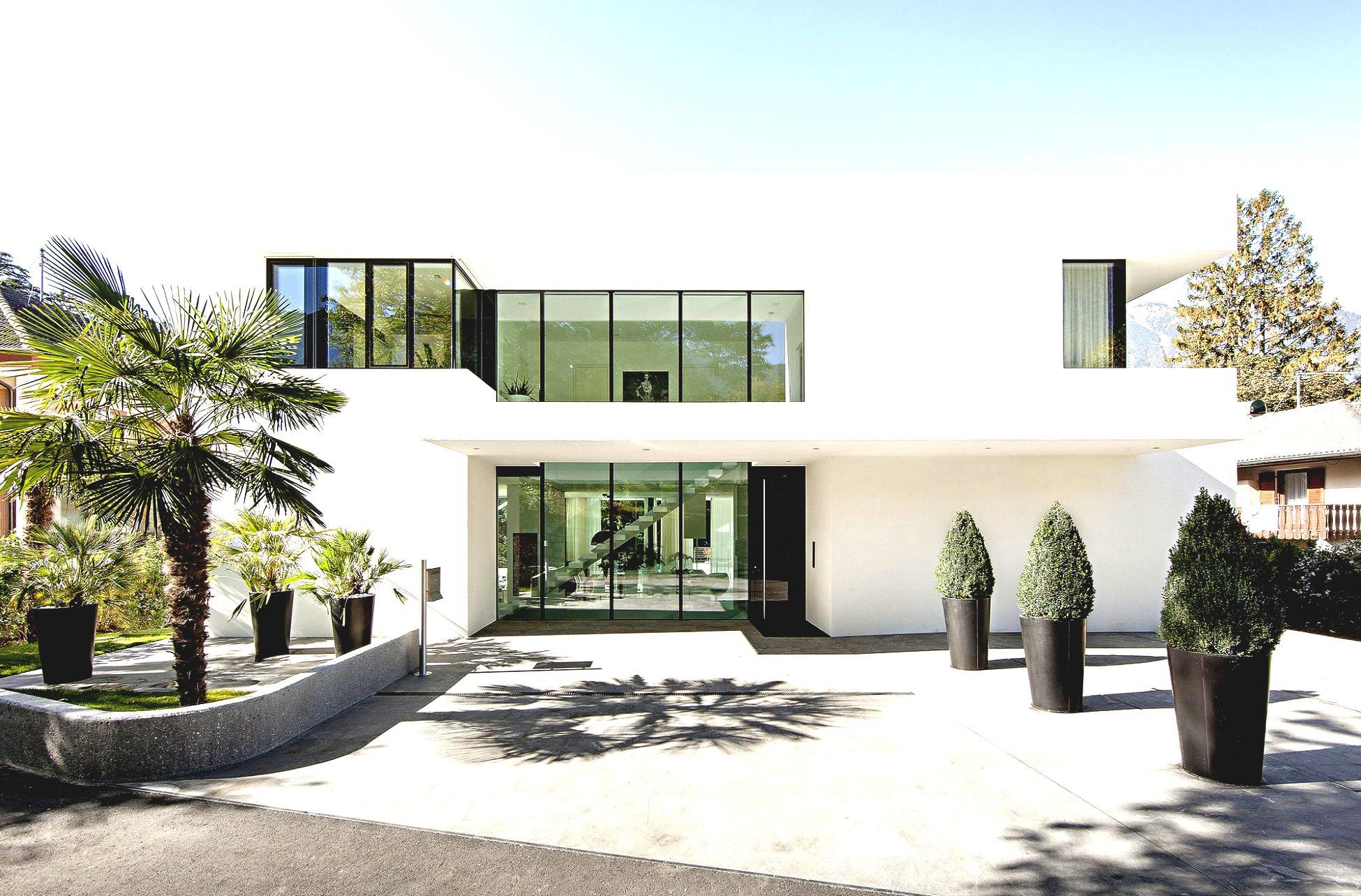 Image of: Modern White Houses Exterior