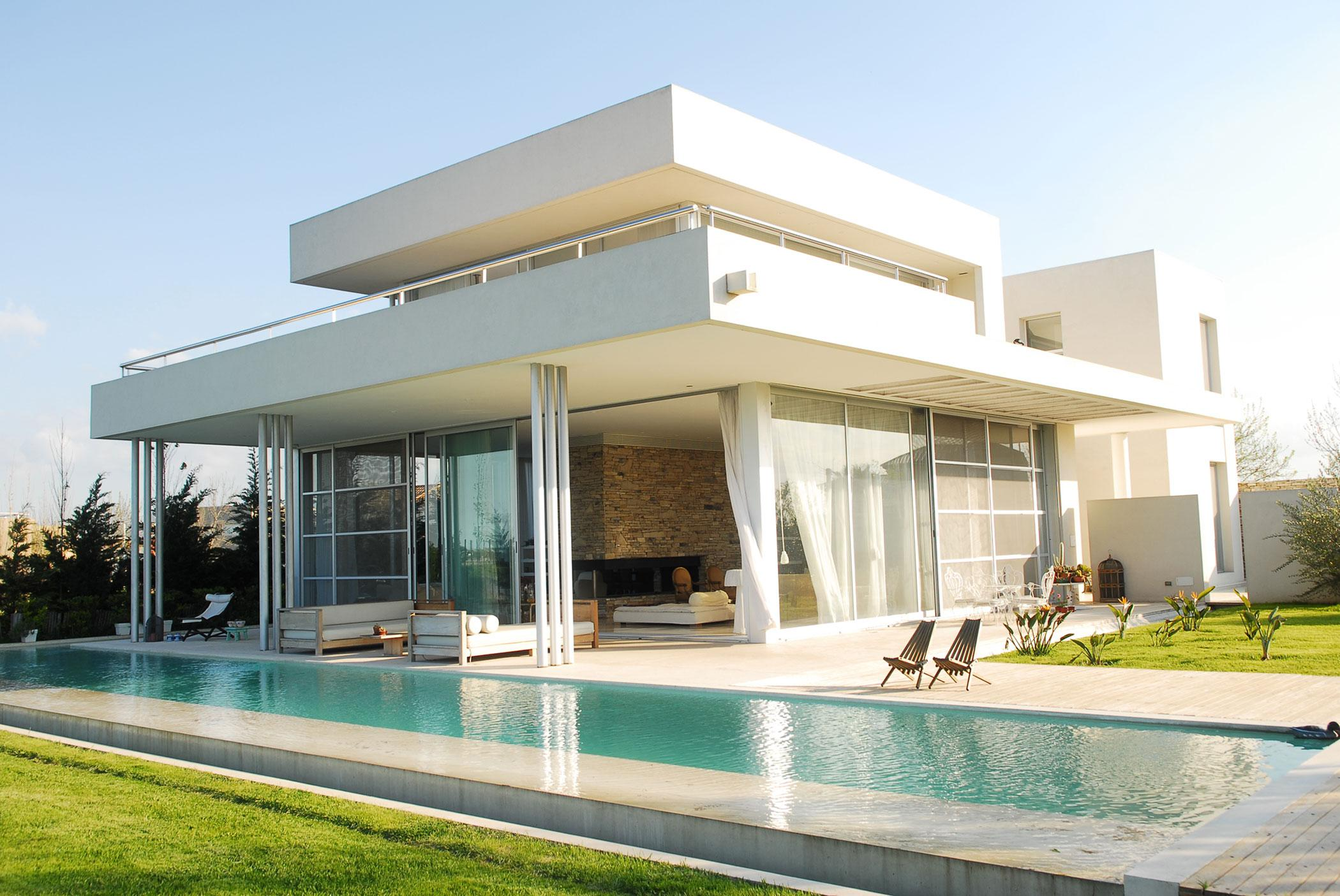 Image of: Modern White Houses Style