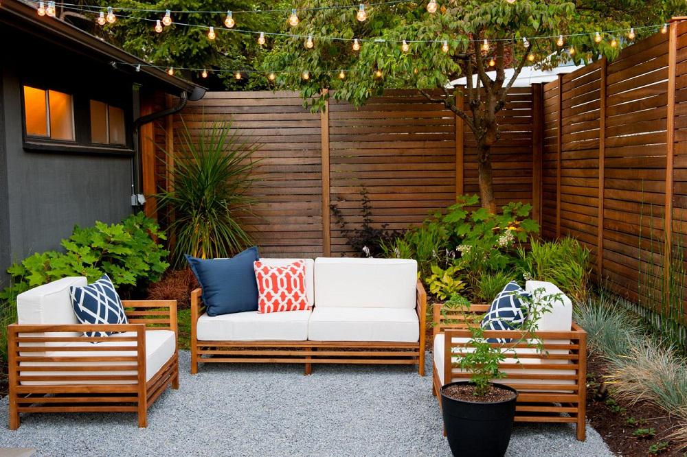 Image of: Outdoor Deck Wall Ideas