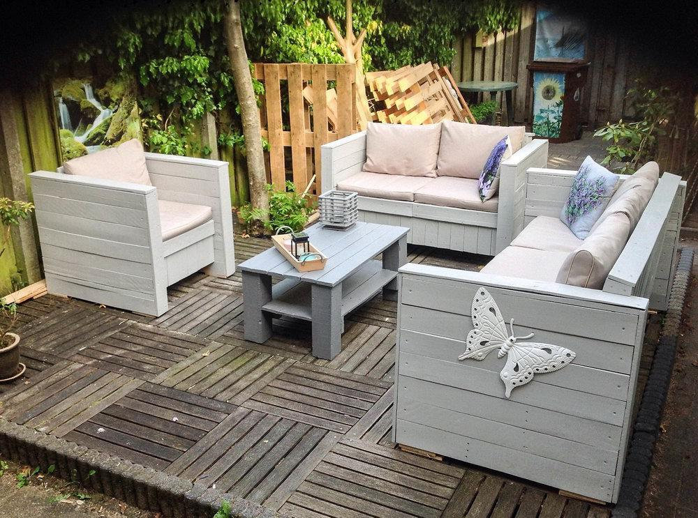 Image of: Outdoor Furniture Ideas For Small Spaces