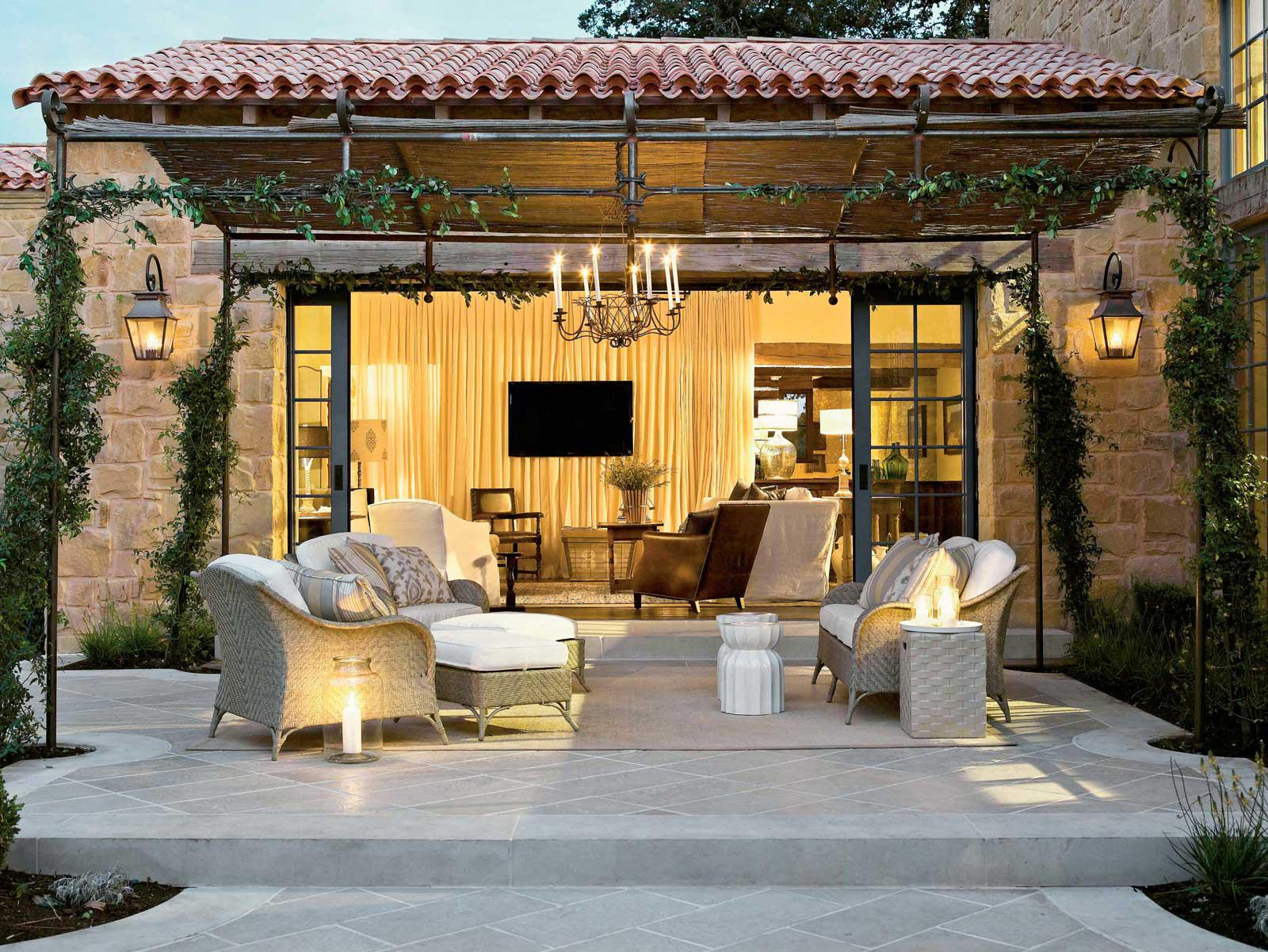 Image of: Outdoor Living Room Ideas