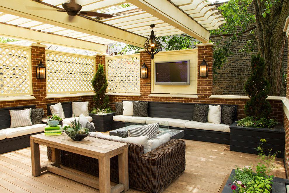 Image of: Outdoor Living Room Pergola