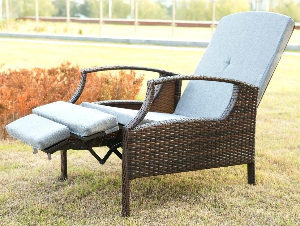 Image of: Outdoor Lounge Chairs Lowes