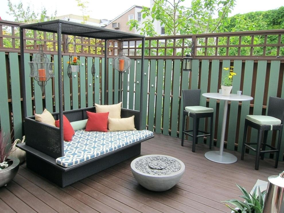 Image of: Small Back Deck Decorating Ideas