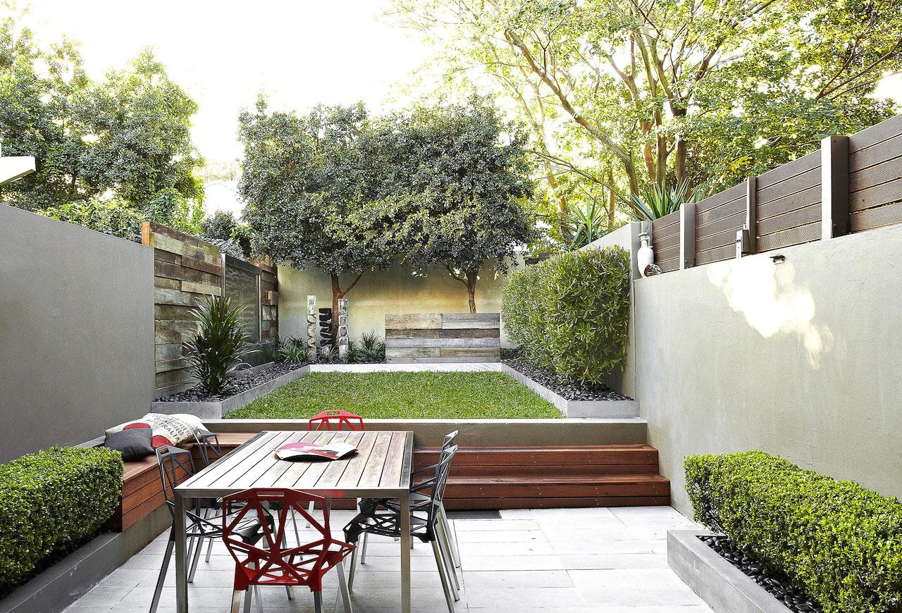 Image of: Small Courtyard Garden Designs