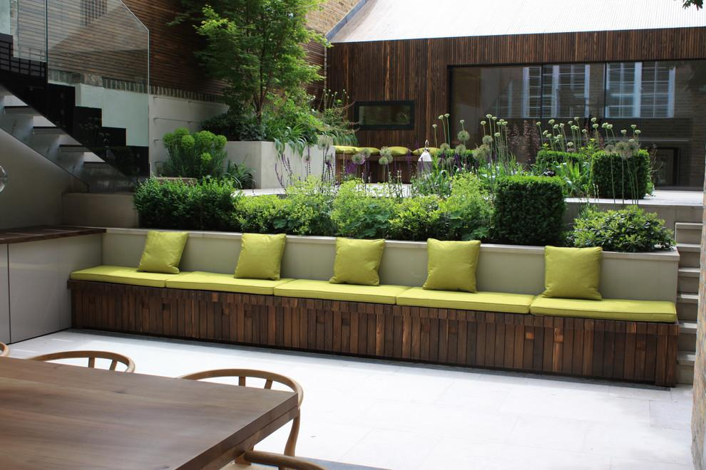 Image of: Small Garden Seating Ideas