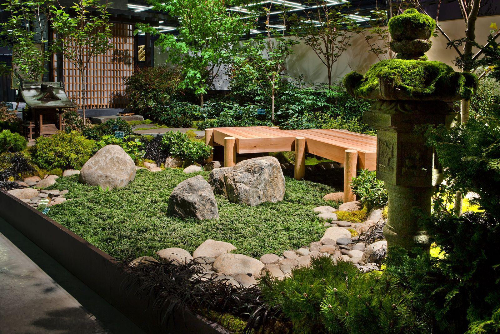 Image of: Small Japanese Rock Garden Design