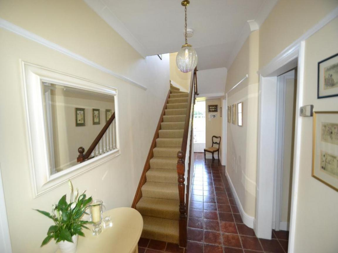 Image of: Small Upstairs Hallway Decorating Ideas