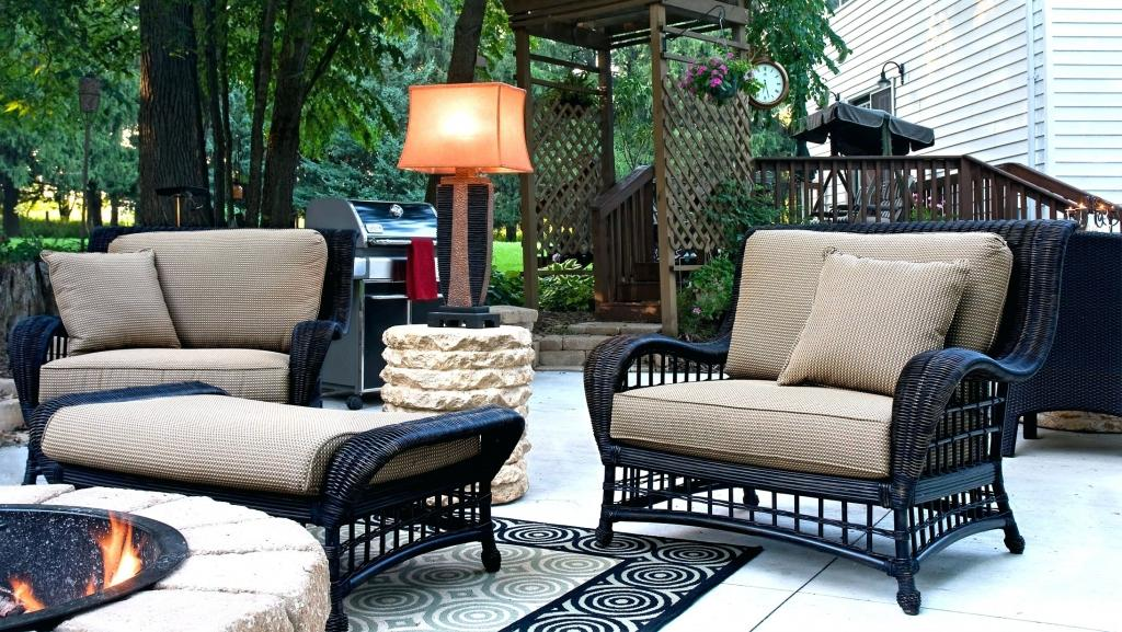 Image of: Stylish Outdoor Tables