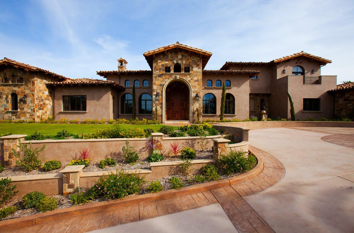 Image of: Tuscan Style Homes Exterior Photos