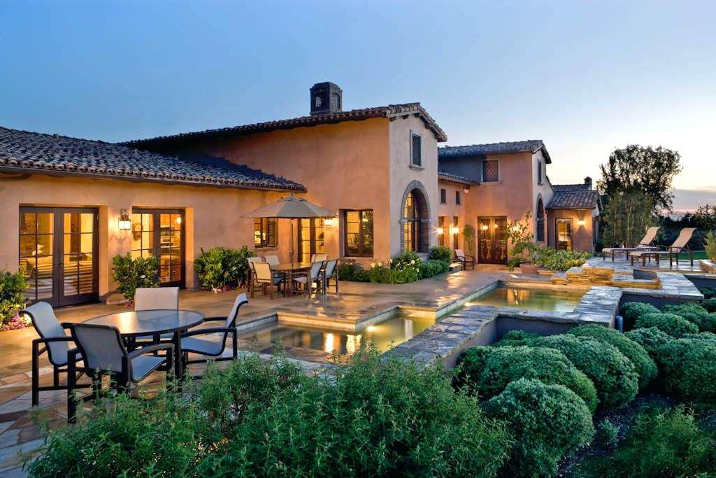 Image of: Tuscan Style Homes