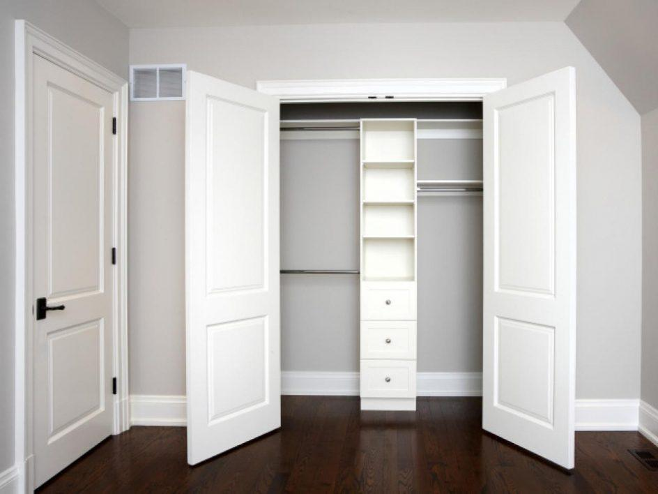 Image of: Wardrobe Doors For Small Spaces