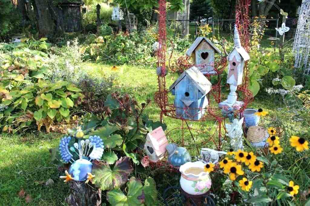 Image of: Whimsical Garden Ideas