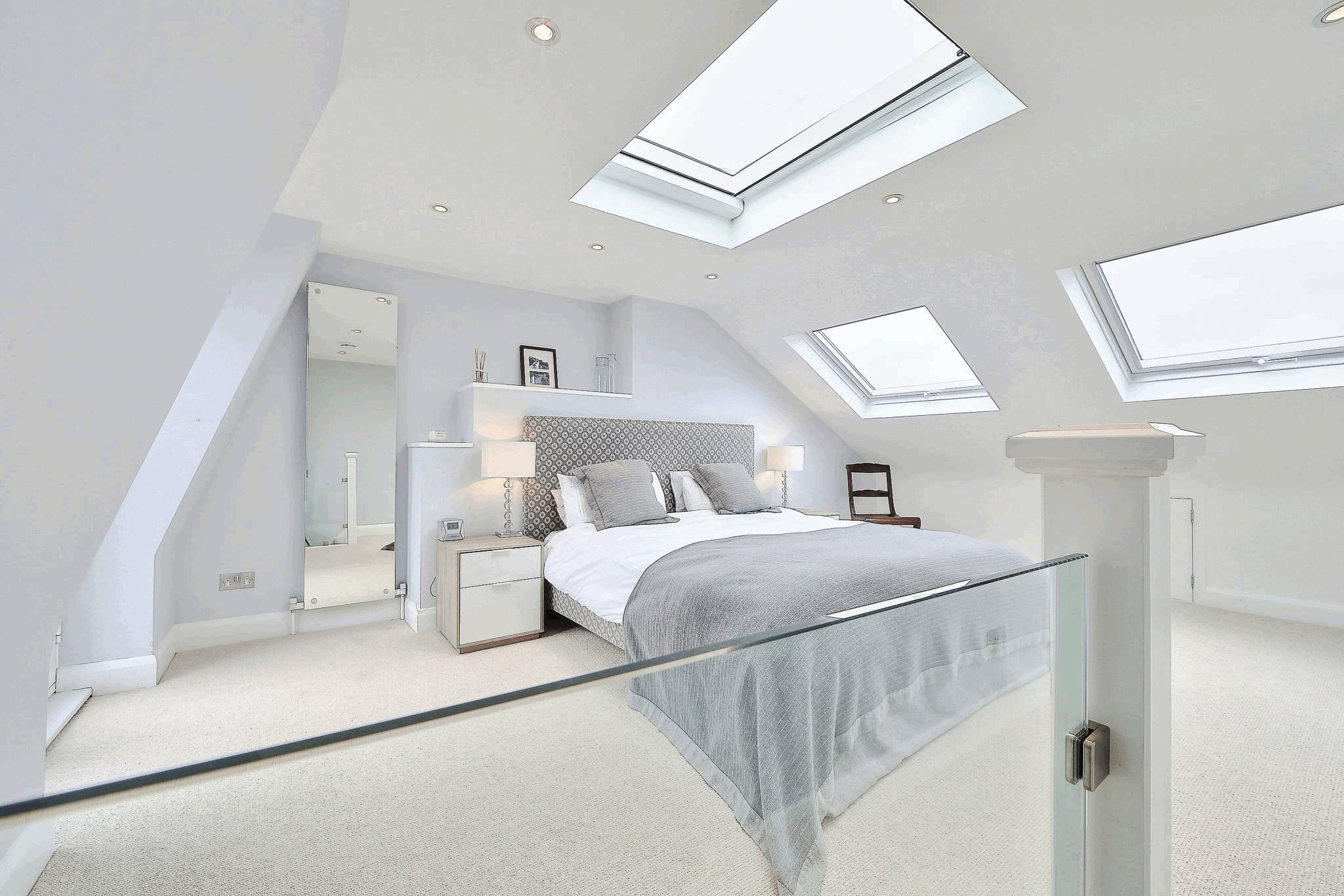 Image of: White Attic Bedroom Style