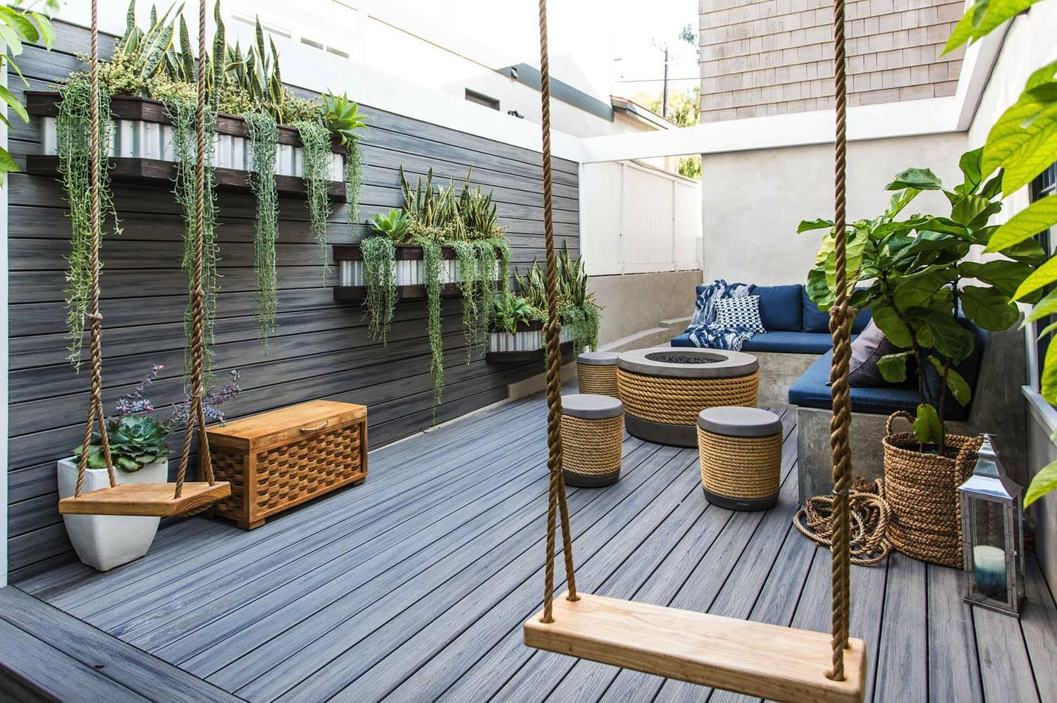 Image of: Wooden Deck Wall Ideas