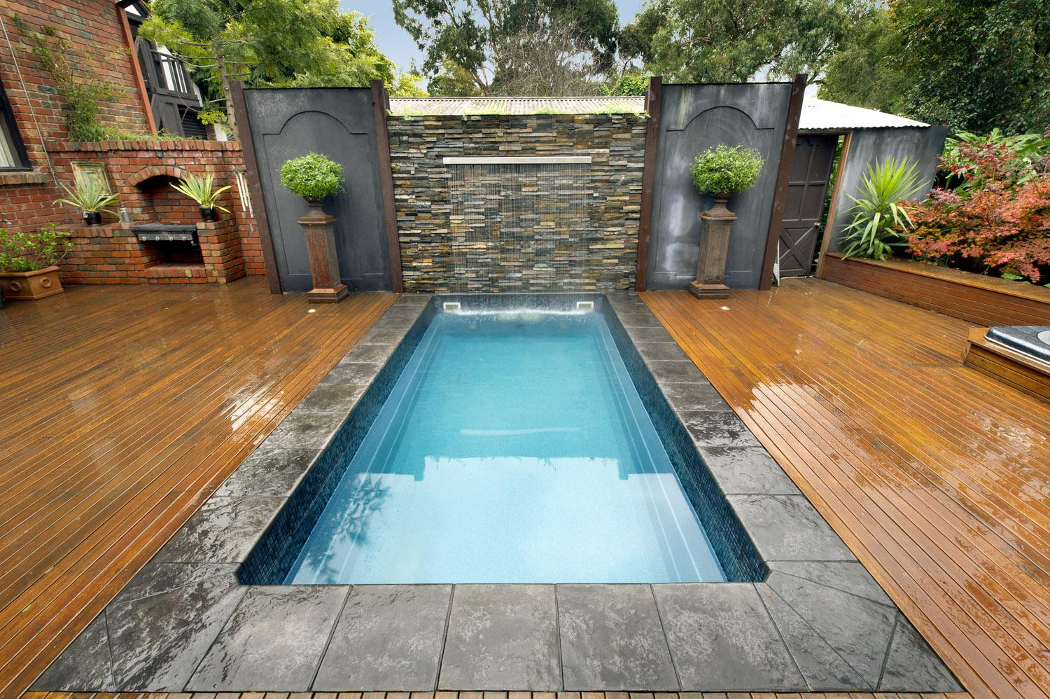 Image of: Backyard Swimming Pool Designs