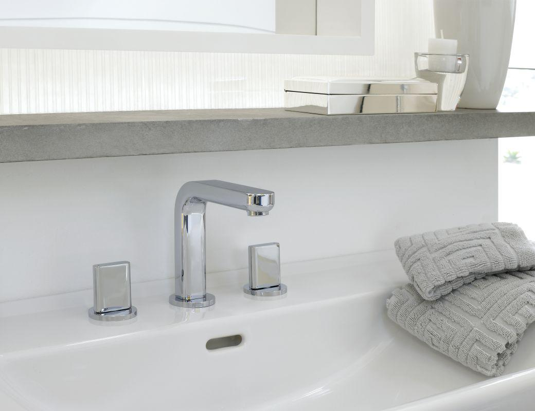Image of: Bathroom Faucet And Shelf