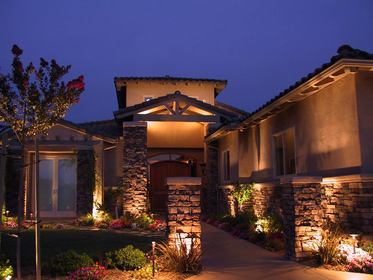 Image of: Best Exterior House Lighting