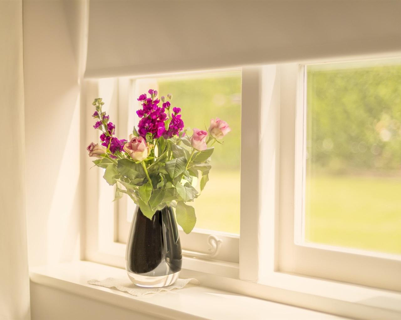 Image of: Best Flowers In The Window