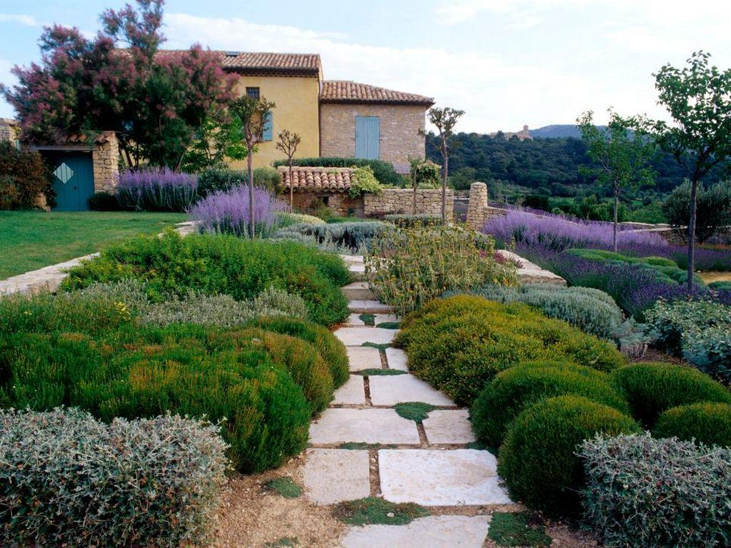 Image of: Best Mediterranean Landscape Design