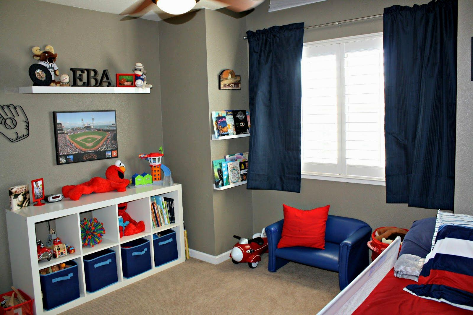 Image of: Boy Room Ideas Small Spaces