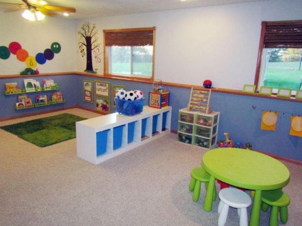 Image of: Cheap Daycare Decorating Ideas