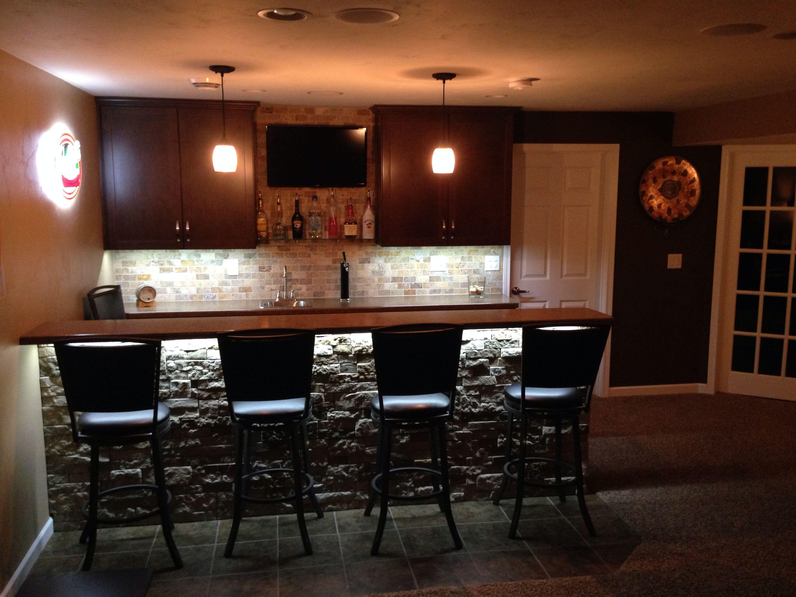Image of: Cheap Home Bar Decorations