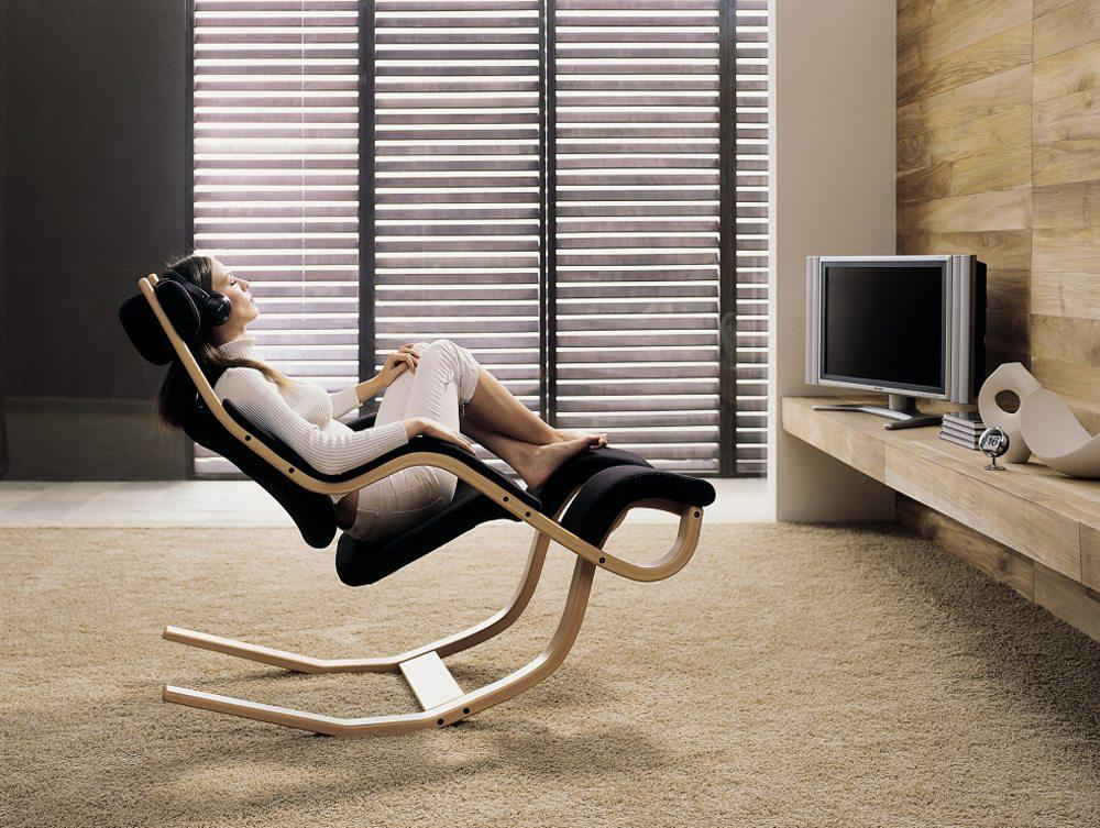 Image of: Comfortable Wooden Chair Design