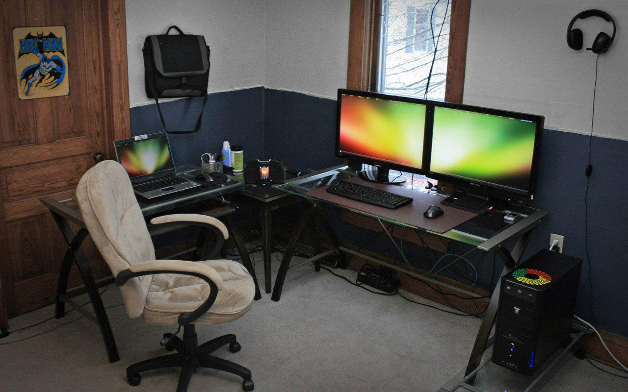 Image of: Computer Room Decoration Ideas