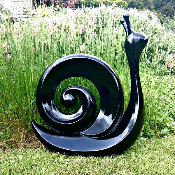 Image of: Contemporary Garden Decorations