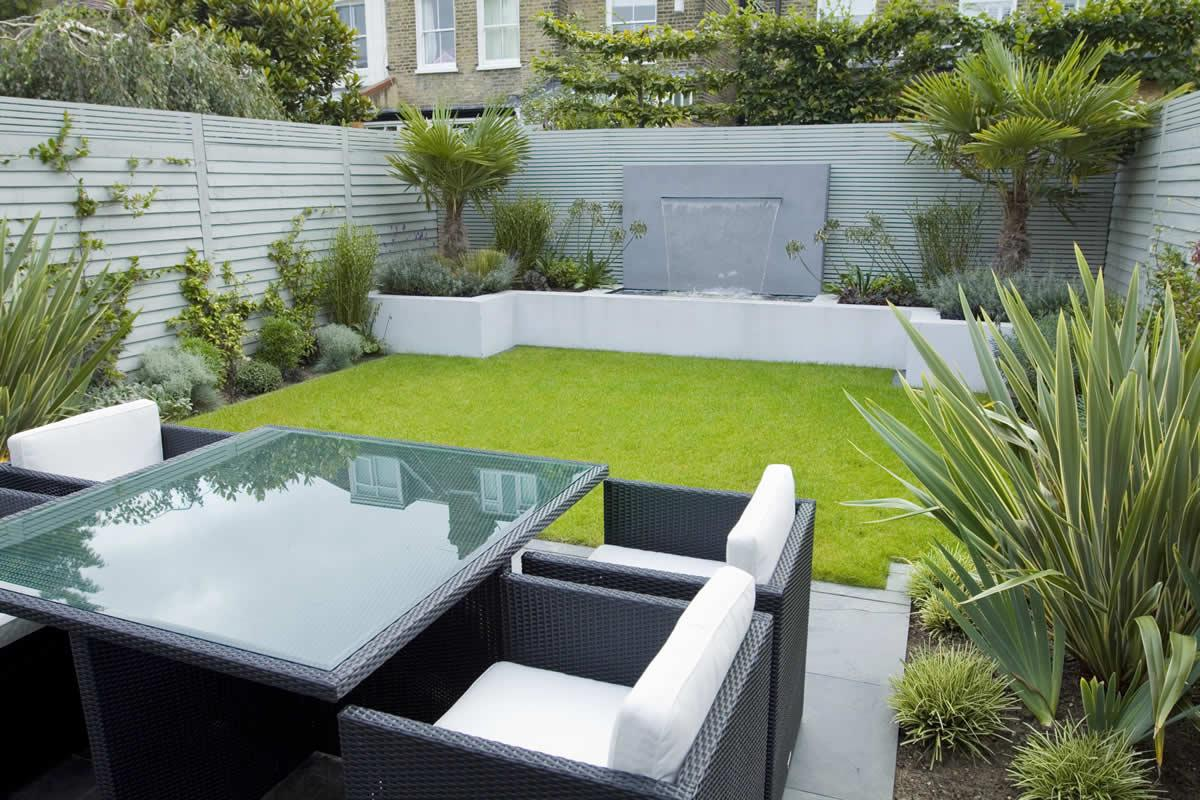 Image of: Corner House Landscape Design