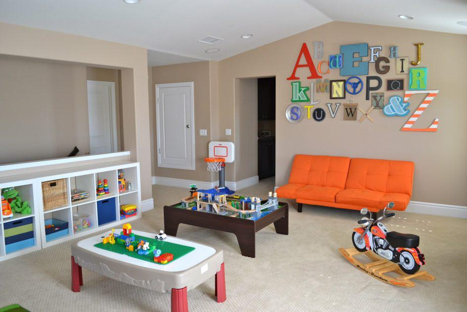 Image of: Daycare Wall Decor Ideas