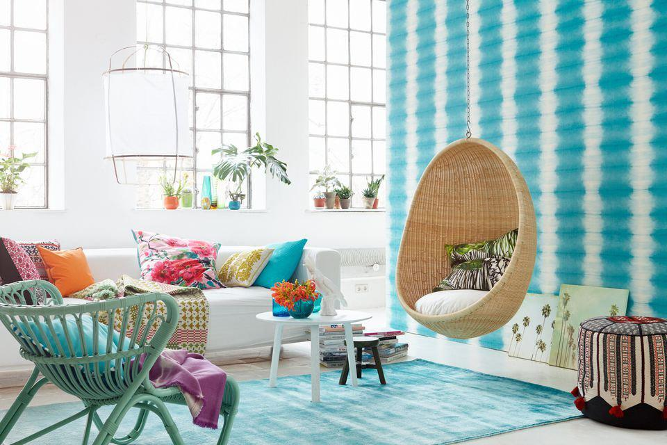 Image of: Decorating With Aqua Accents