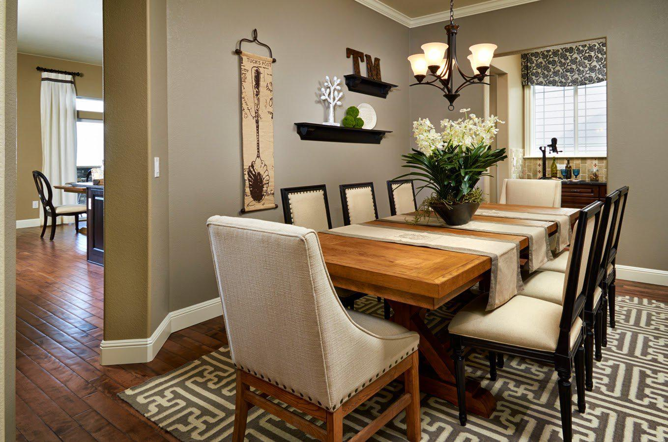 Image of: Dining Room Designs For Small Space
