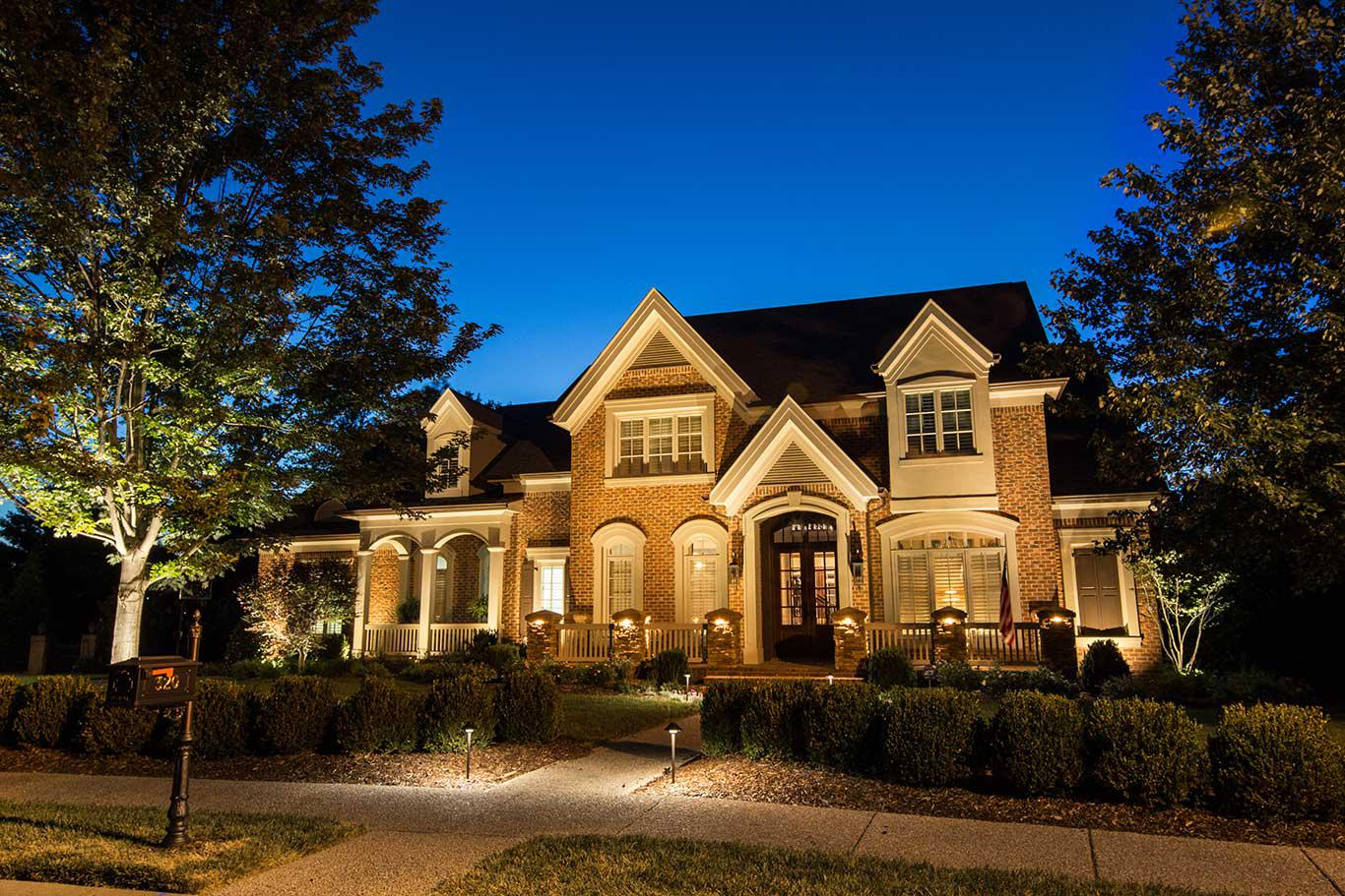 Image of: Diy Exterior House Lighting