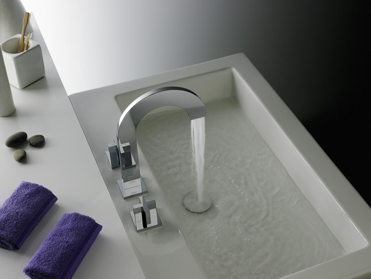 Image of: Elegant Bathroom Faucet And Shelf