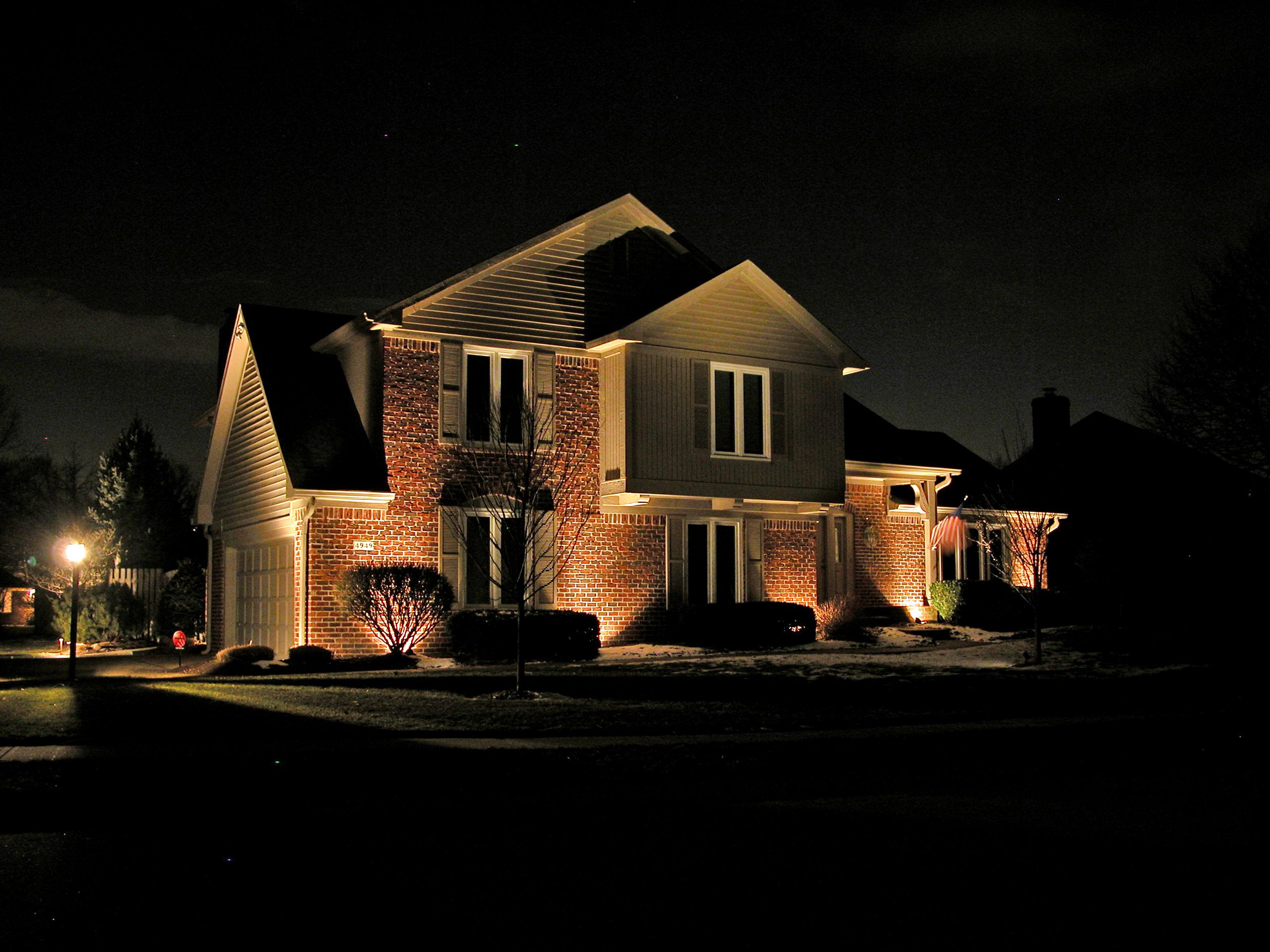 Image of: Exterior House Accent Lighting