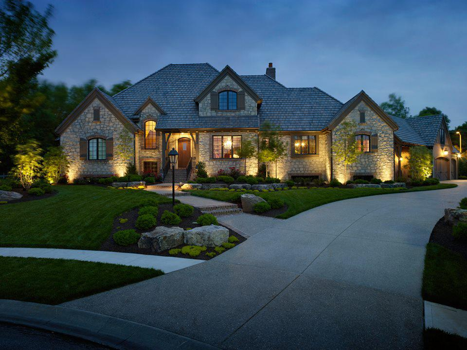 Image of: Exterior House Lighting Ideas