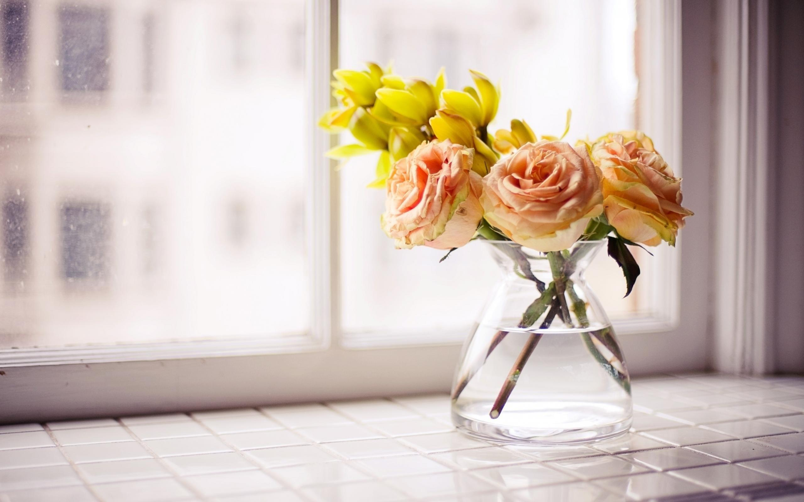 Image of: Flowers In The Window Design