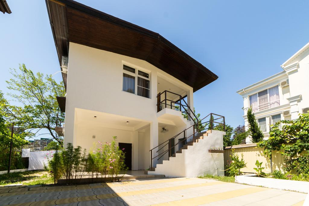 Image of: Guest House Design