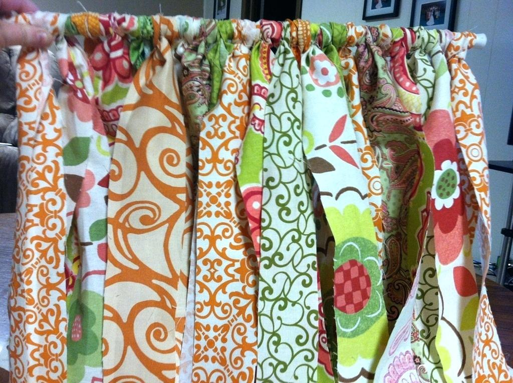 Image of: How To Sew Curtains For Beginners