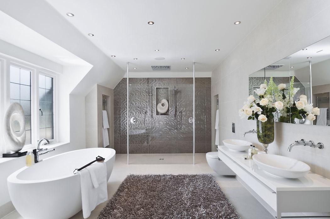 Image of: Luxurious Bathroom Designs Pictures