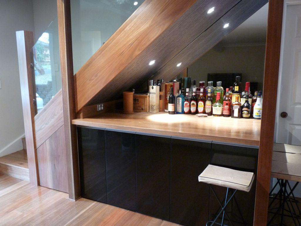 Image of: Mini Bar Under Stairs Design